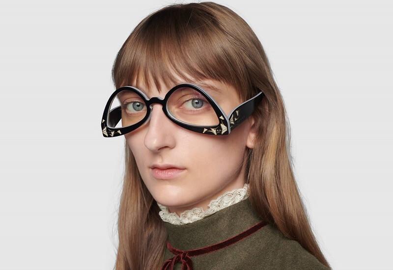 Gucci(グッチ)の新作『逆キャットアイサングラス(Inverted cat eye sunglasses)』をかけた雰囲気